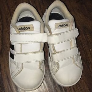 Toddler adidas shoes size 9